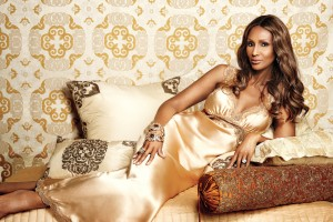 essence-model-citizen-iman-000011581