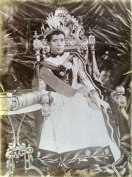 queen_ranavalona_iii_antananarivo_madagascar_ca-_1890