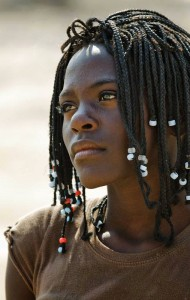 Young woman between Pediva and Virei - Angola. Photo by Johan Gerrits