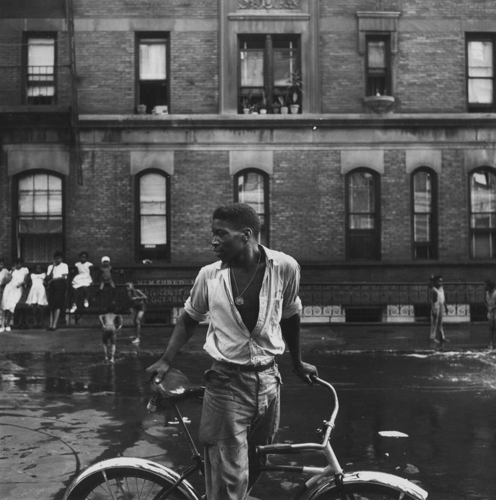 Photo from Harlem Gang Leader photo essay – Life magazine