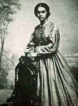 Dr Sarah Loguen Fraser